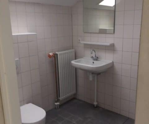 11-03-2018 De Noostraat badkamer bovenste etage maisonnette WBV